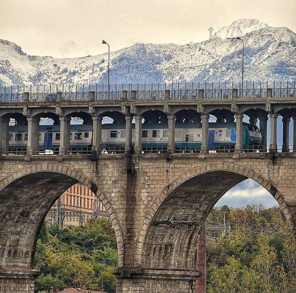 @rinaudobruno per questo splendido scorcio di #Cuneo e delle nostre #montagne 📸 Selezionato da @ileinthecloud